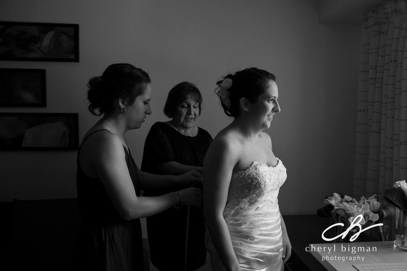 Mom-Helping-the-Bride-Get-Ready