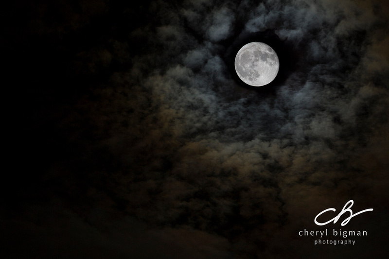 Full-Moon-in-the-Clouds