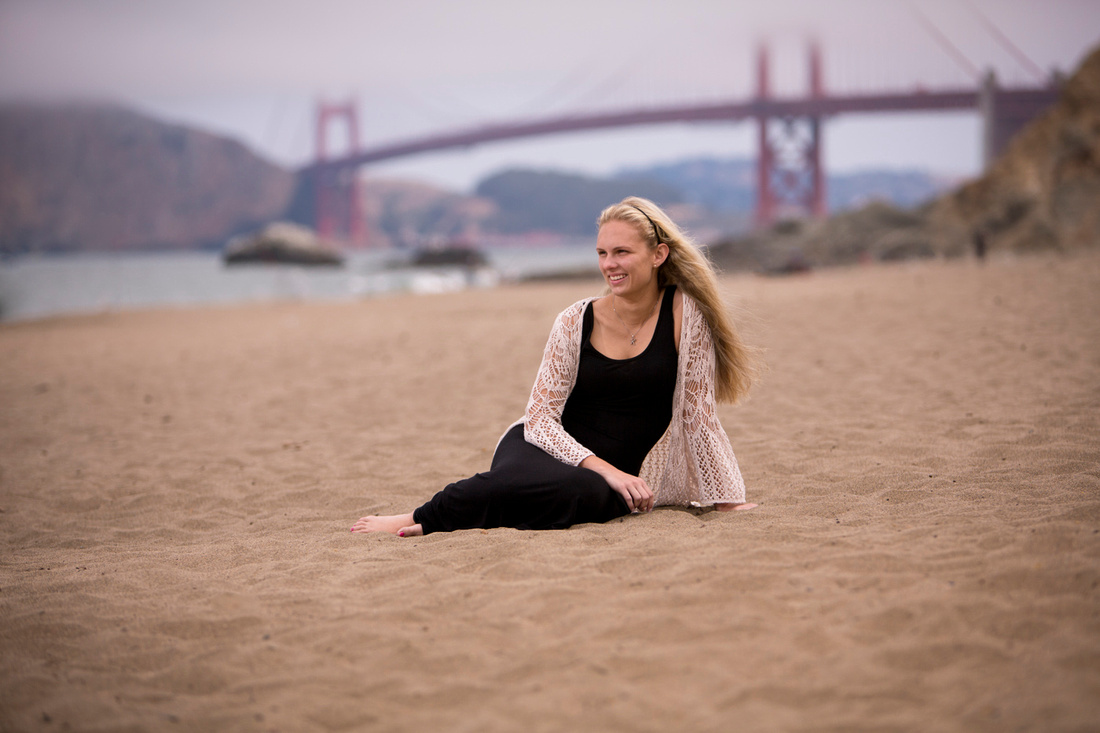 Girl-Senior-Portrait-on-Baker-Beach-SF