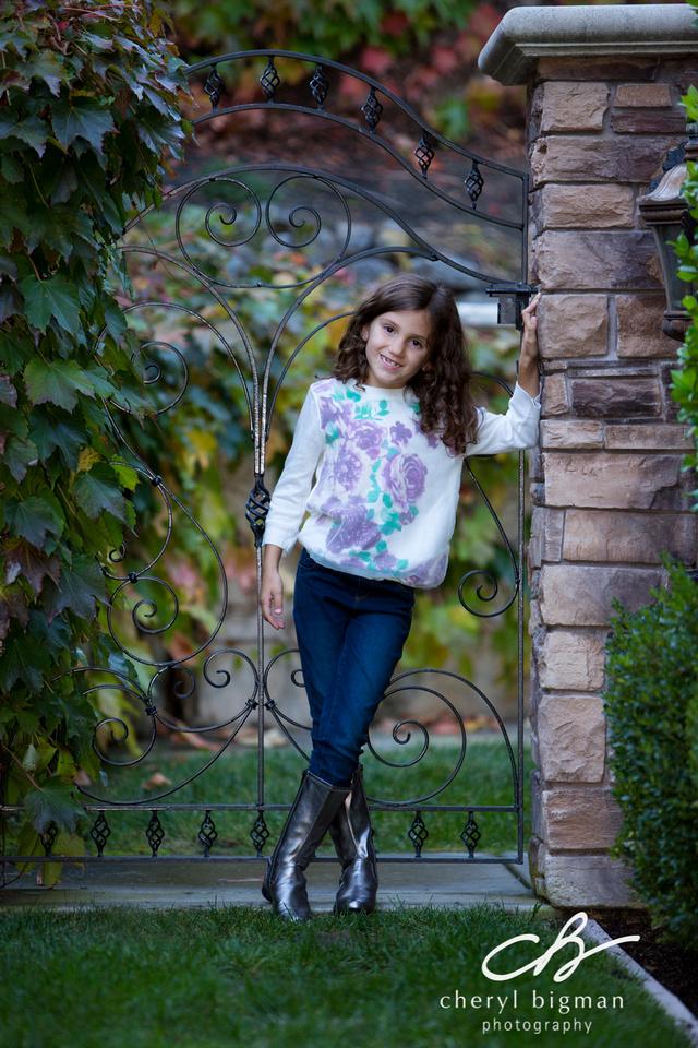 Girl-in-Fall-Color-Scene