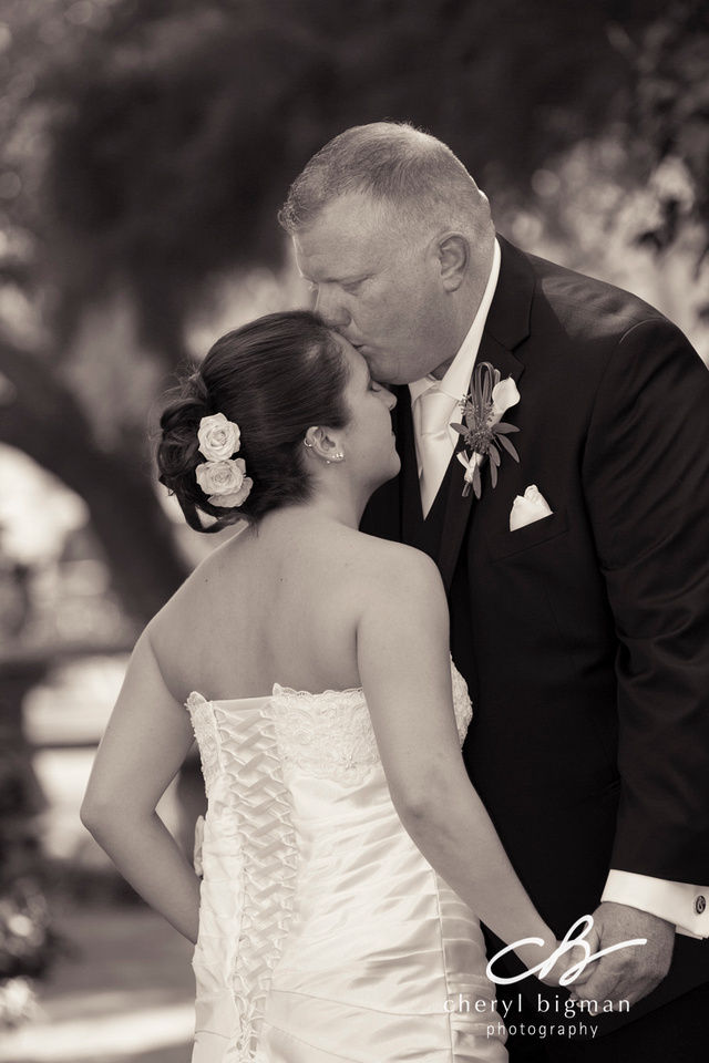 Grooms-Kiss-after-First-Look-at-his-Bride